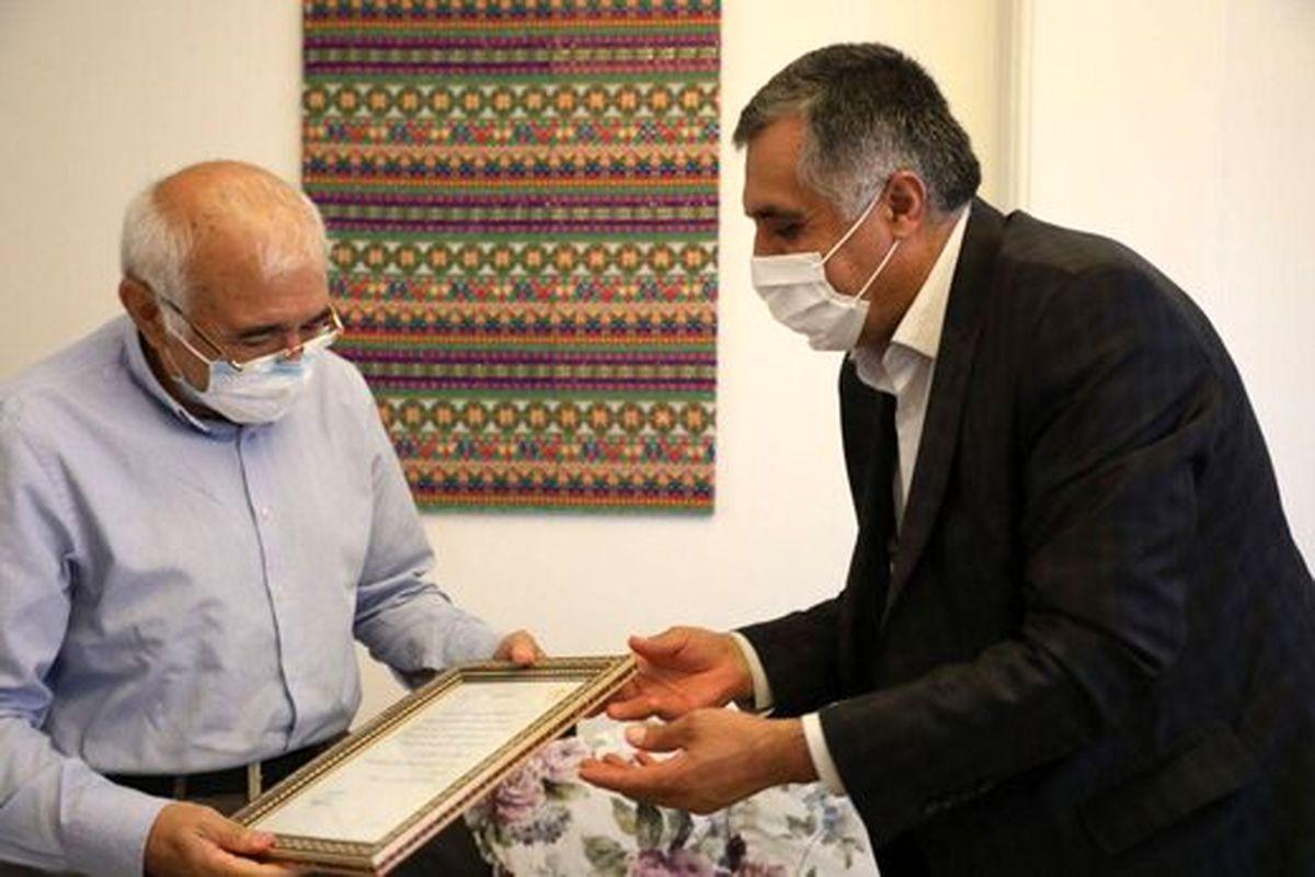انتقادات محمدعلی بهمنی از برخی ترانههای امروز