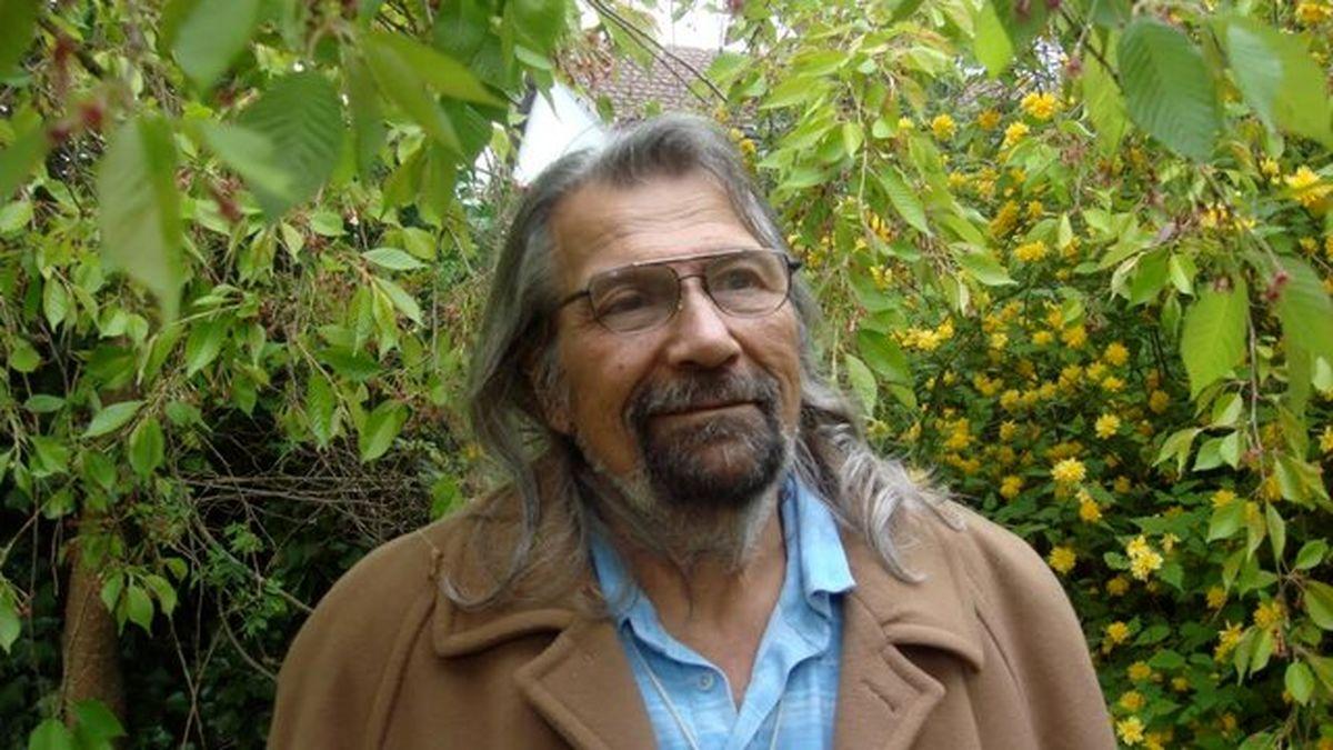 اسماعیل خویی شاعر بلند آوازه ایرانی درگذشت